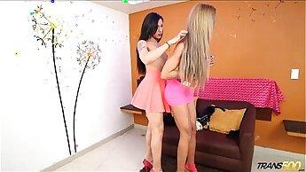 Mariana Pink and Bella 2 Trannies Fuck