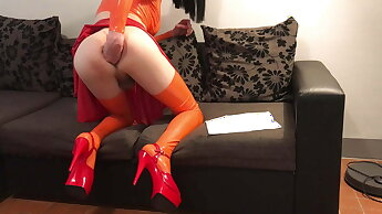 velma from scooby doo in latex and with a dildo in her ass